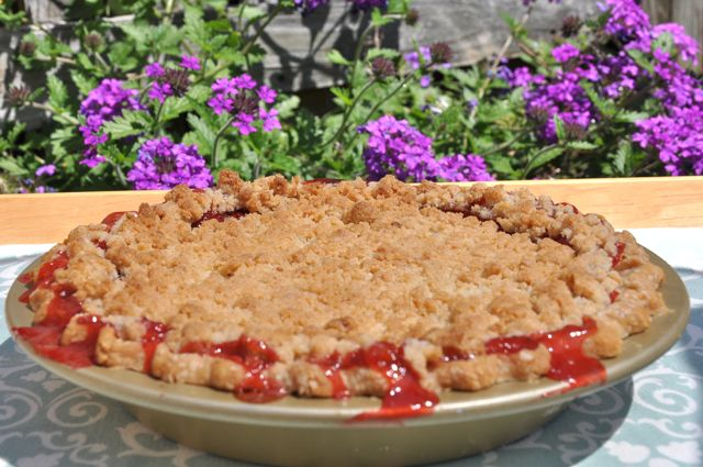 Here's how we do strawberry rhubarb pie at The Pie Academy