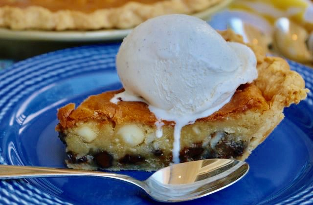 Chocolate Chip Macadamia Cookie Pie from The Pie Academy